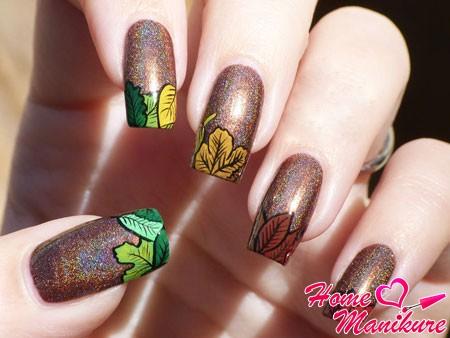 стильный френч с осенними листьями