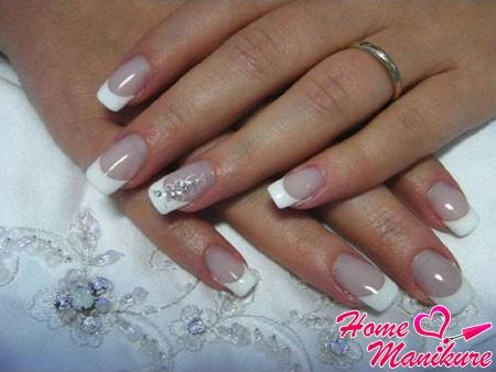 украшение безымянного пальца невесты
