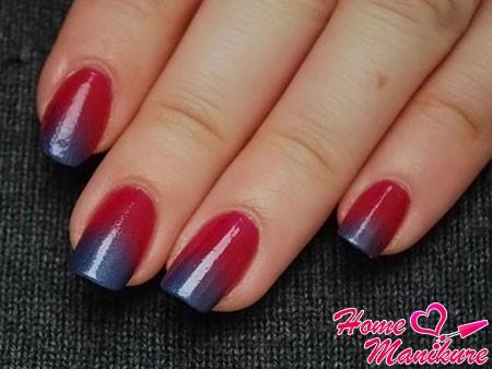 вишнево-металлический дизайн ногтей