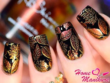 золотой стемпинг-дизайн