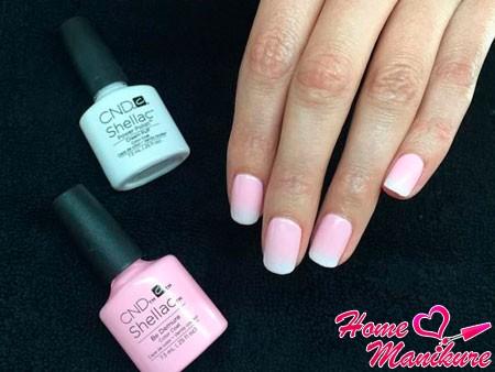 бело-розовый дизайн омбре