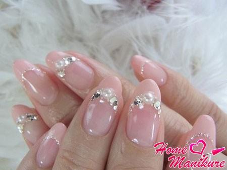 бесподобный французский маникюр на ногтях невесты