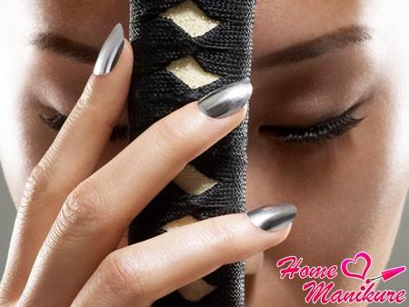 Minx nail design in silver