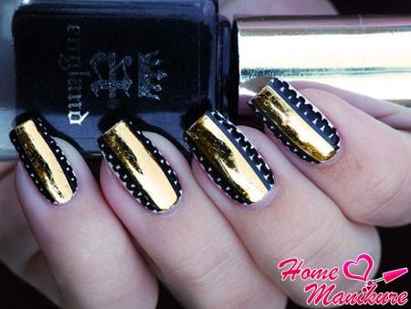 дизайн ногтей с полоской золотой фольги