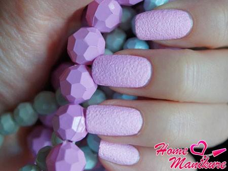 эффект бархатного песка на ногтях
