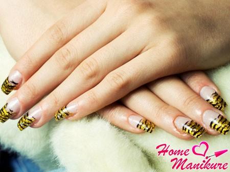 френч с золотым тигровым принтом