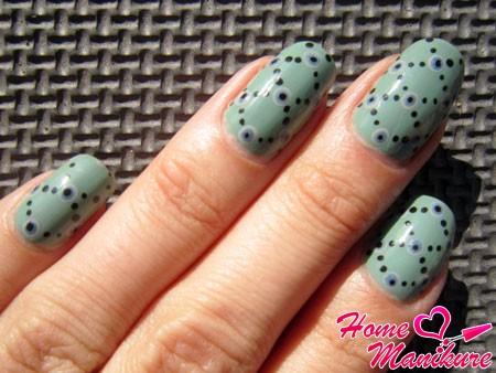 композиция из точек на ногтях