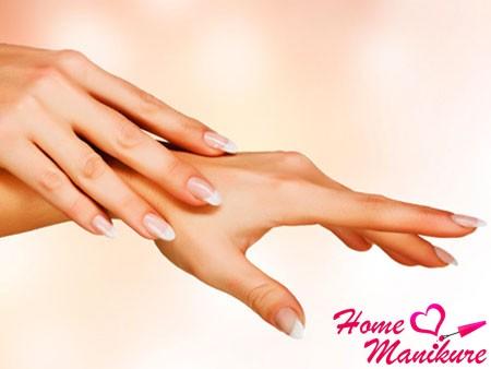 красивые ухоженные руки и ногти