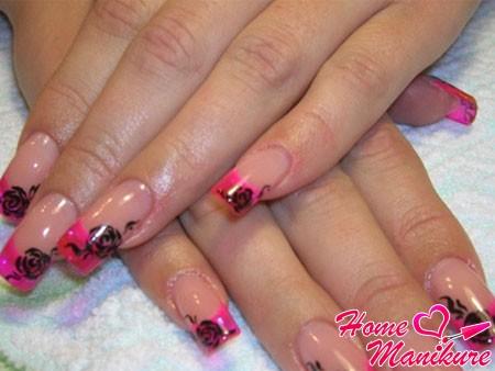 красивый розовый френч с черными рисунками