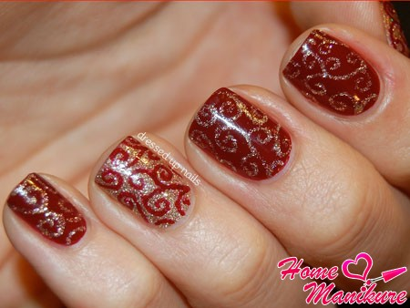 кружевные короткие ногти с блестками