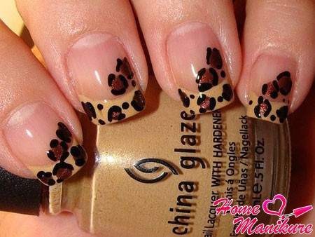 леопардовый французский маникюр в естественных тонах