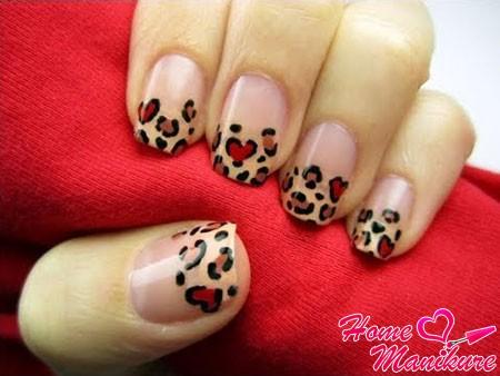 леопардовый френч маникюр на ногтях