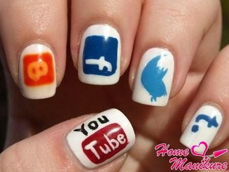 логотипы интернет-сайтов на ногтях