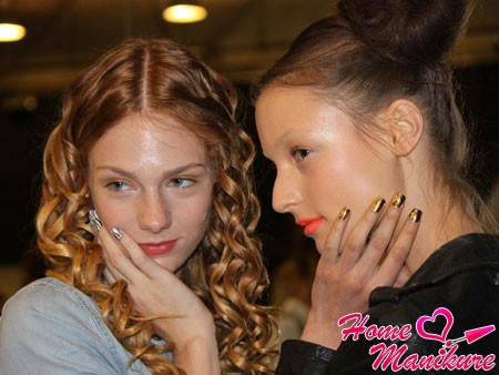 minx manicure at a fashion show