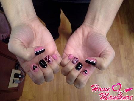 модный черно-розовый шеллак нейл арт