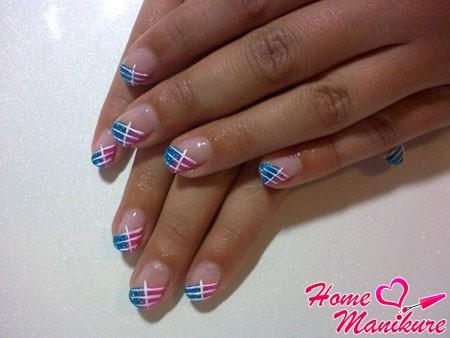 модный френч на коротких ногтях