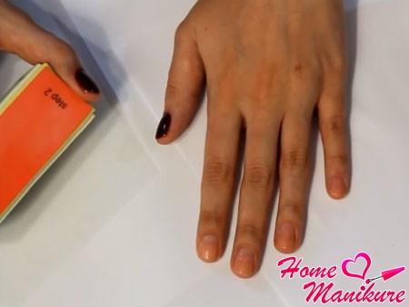 отполированные бафом ногти