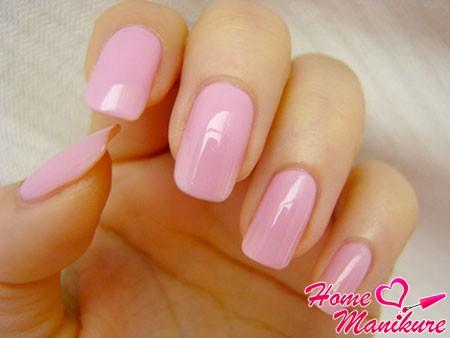 пастельный розовый дизайн ногтей