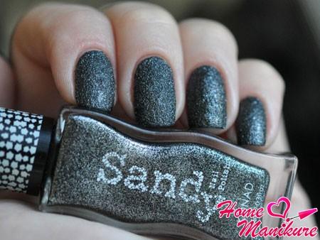 песочный маникюр Konad в асфальтовых тонах