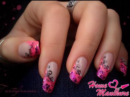 розовый французский маникюр с рисунками