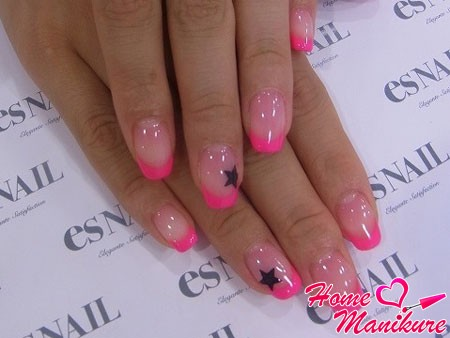 розовый френч с аккуратными черными звездочками