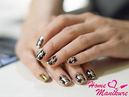 стильные наклейки minx на ногтях