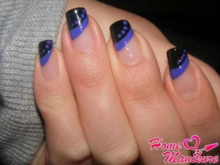 стильный черно-синий нейл-арт