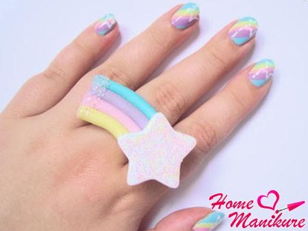 стильный дизайн ногтей в полоску