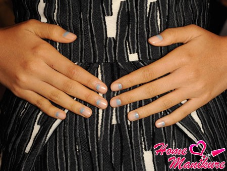 stylish moon manicure in pastel shades