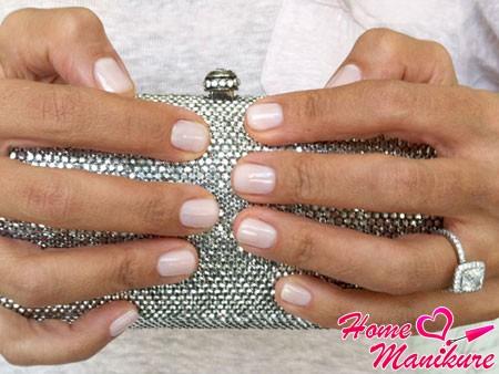 вариант свадебного маникюр на короткие ногти