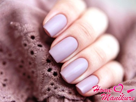 gorgeous matte color on the nails