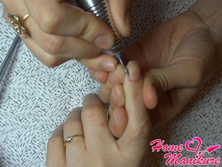яйцеобразная фреза для обработки ногтей