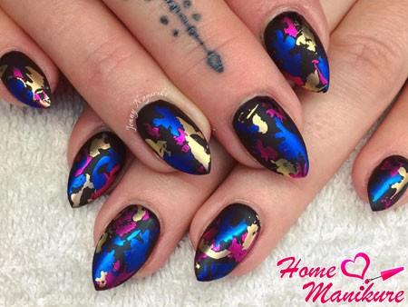 яркие матовые ногти