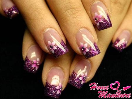 цветочный френч в фиолетовых тонах