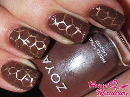 эффект крупного мрамора на ногтях