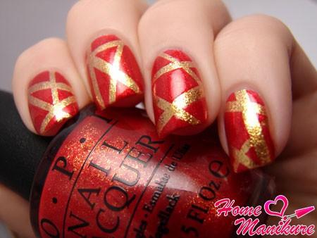геометрический красно-золотой дизайн