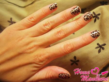 леопардовый нейл-арт с наклейками минкс