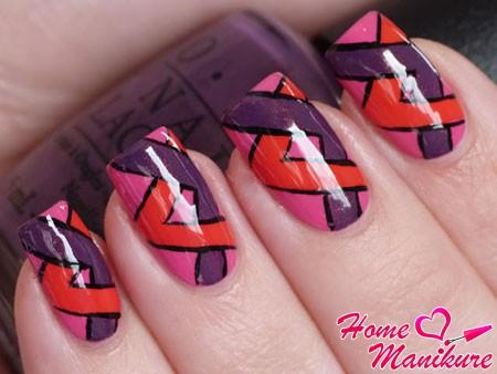 несложный геометрический дизайн ногтей