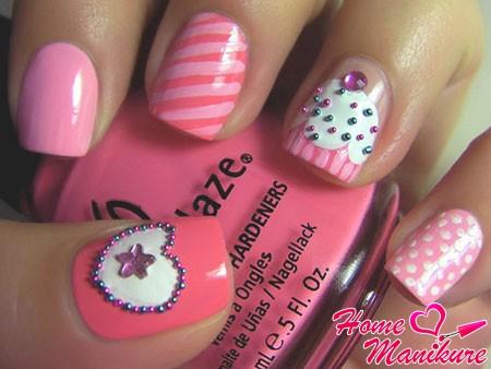 оригинальный дизайн ногтей в разном стиле
