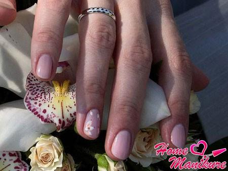 пастельный дизайн ногтей на свадьбу