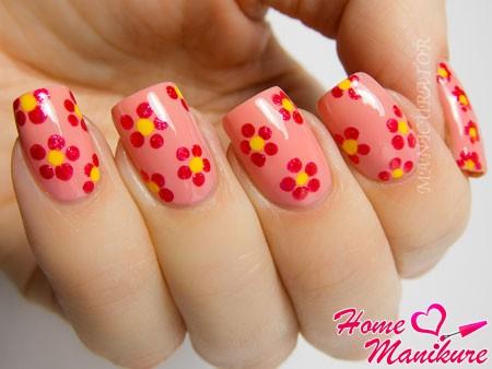 простой цветочный дизайн ногтей с помощью дотса