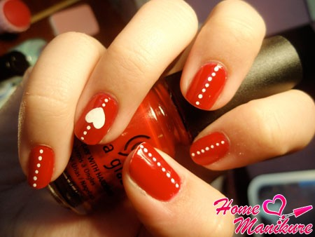 романтичный красный дизайн ногтей