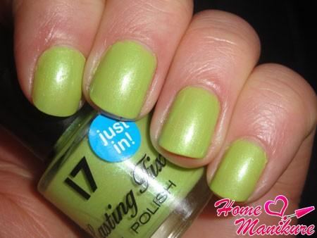 салатовый лак для ногтей