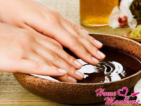 укрепление ногтей с помощью ванночек