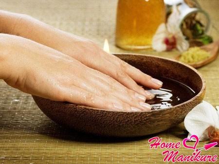 Питательные ванночки – важнейший элемент ухода за ногтями