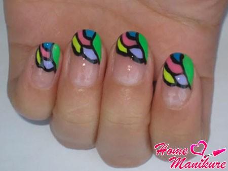 витражная мозаика на ногтях