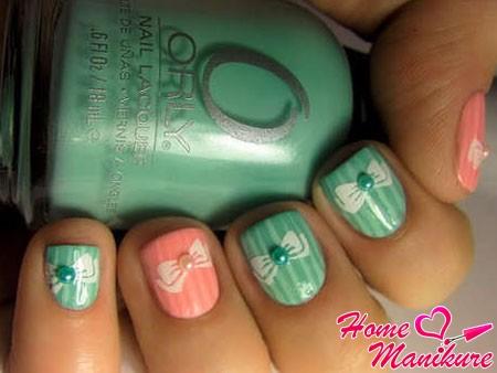 дизайн ногтей с бантиками в пастельных тонах