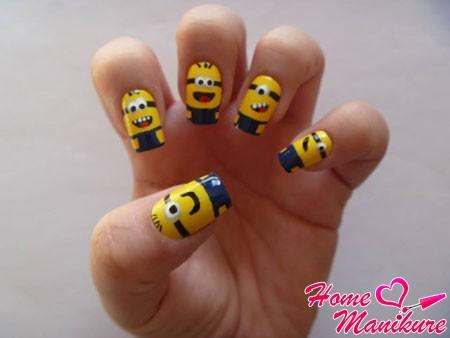 дизайн ногтей с веселыми миньонами