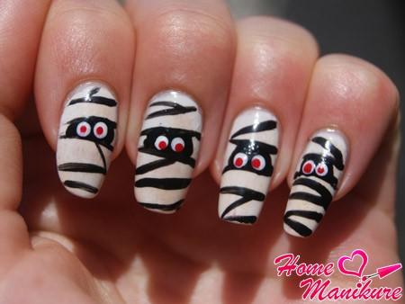 дизайн ногтей в стиле мумии