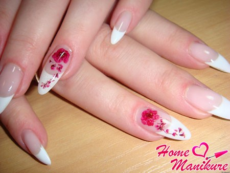 элегантная китайская роспись на безымянных пальцах
